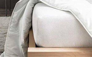 Cflagrant Protège-Matelas/Alèse 160 x 200 cm en Molleton 100% Coton Forme Drap Housse Traité Anti-Acariens Actigard®